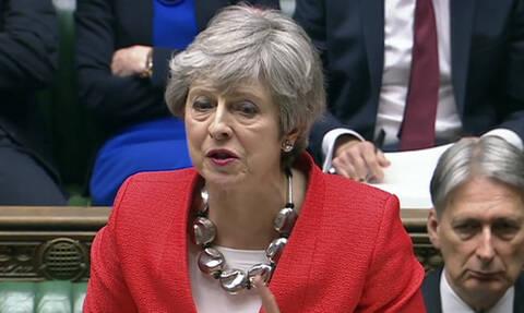 Σε αχαρτογράφητα νερά η Βρετανία: Καταψηφίστηκε η συμφωνία του Brexit