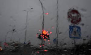 «Σαρωτική» κακοκαιρία: Το «έστρωσε» στη Λαμία – Έκλεισε η Εγνατία – Χωρίς ρεύμα περιοχές του Βόλου