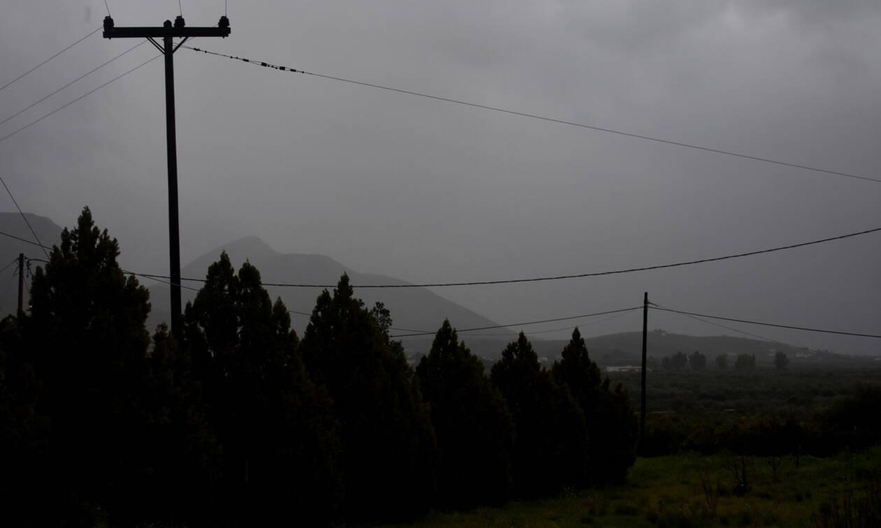 Καιρός ΤΩΡΑ: Βροχές, καταιγίδες και θυελλώδεις άνεμοι επηρεάζουν το μεγαλύτερο μέρος της χώρας
