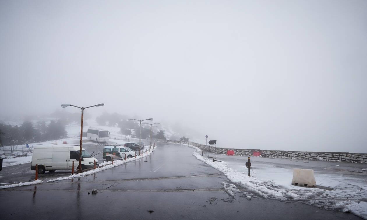 Καιρός - Έκτακτο δελτίο ΕΜΥ: Σαρώνει τη χώρα η νέα κακοκαρία με χιόνια, καταιγίδες και πολλά μποφόρ
