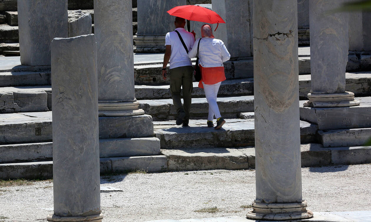 Πρόβλεψη για ένα εκατομμύριο θέσεις εργασίας από τον τουρισμό το 2019