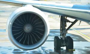 ΣΟΚ: Παραλίγο αεροπορική τραγωδία - Δείτε τι έκαναν λίγο πριν από την απογείωση (pics)