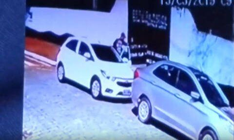 Βίντεο – Σοκ: Kαρέ – καρέ η στιγμή της πολύνεκρης επίθεσης σε δημοτικό σχολείο στη Βραζιλία