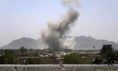 Αφγανιστάν: Τουλάχιστον πέντε Αφγανοί στρατιωτικοί νεκροί από αμερικανικά αεροπορικά πλήγματα