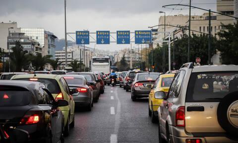 Χάος στους δρόμους της Αθήνας: Πού σημειώνεται μποτιλιάρισμα