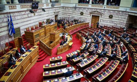 Live - Βουλή: Η μάχη για τη Συνταγματική Αναθέωρηση