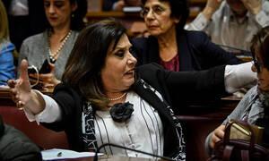 Οργισμένη Μεγαλοοικονόμου στη Βουλή: «Άντε μη μπουμπουνίσω το ψηφοδέλτιο»