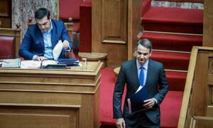 Συνταγματική αναθεώρηση: «Μετωπική» σύγκρουση Τσίπρα - Μητσοτάκη στη Βουλή