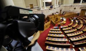«Πέρασε» η συνταγματική αναθεώρηση: Πρόωρες εκλογές τέλος όταν υπάρχει αδυναμία εκλογής ΠτΔ
