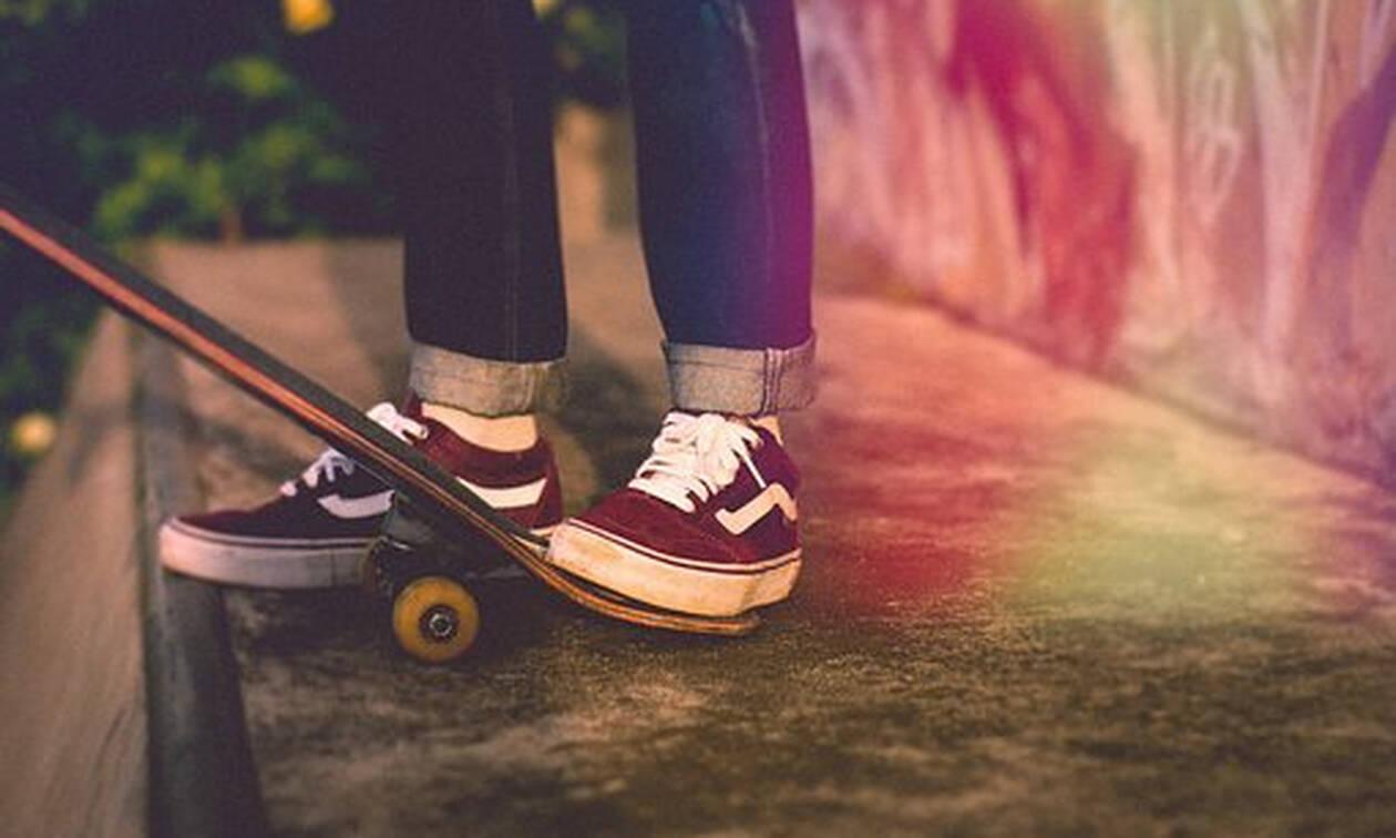 Αυτή είναι η 10χρονη που σπάει όλα τα... ρεκόρ στο skateboard!
