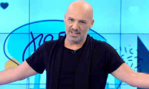 Νίκος Μουτσινάς: «Θέλω να κάνω εμετό με την...» (pics)
