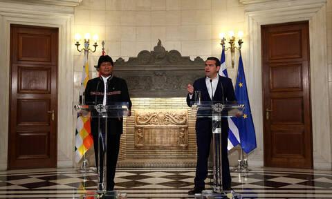 Τσίπρας - Μοράλες: «Κοινός αγώνας κατά του ακραίου νεοφιλελευθερισμού και της ακροδεξιάς»