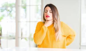Τέσσερις τρόποι να αντιμετωπίσετε τον πονόλαιμο