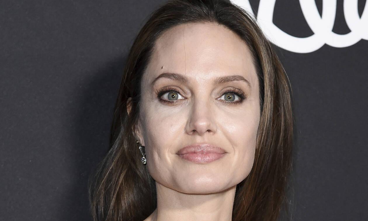Είναι αυτή η πιο μίζερη εμφάνιση της Angelina Jolie;