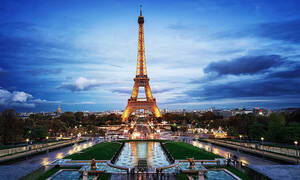 Στο Παρίσι σε συλλαμβάνουν για τον πιο ΑΚΥΡΟ λόγο!