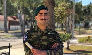 Ανατριχίλα: Τι απαντά ο λεβέντης αλεξιπτωτιστής που τραγούδησε το «Μακεδονία ξακουστή»