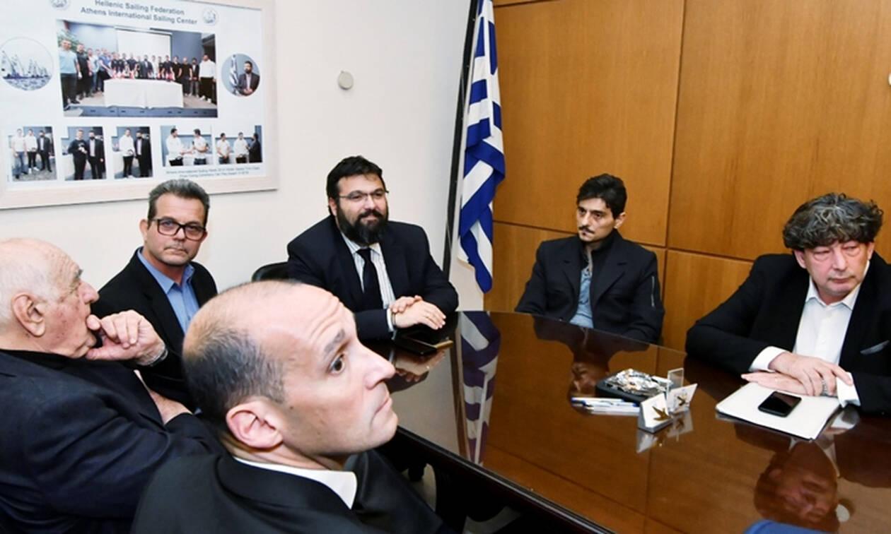Το χρονικό της στημένης σύσκεψης - παρωδία στο υπουργείο Αθλητισμού