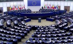 Συγκίνηση: Μαθήτρια από το Λασίθι τραγούδησε τον «Ερωτόκριτο» στο ευρωκοινοβούλιο