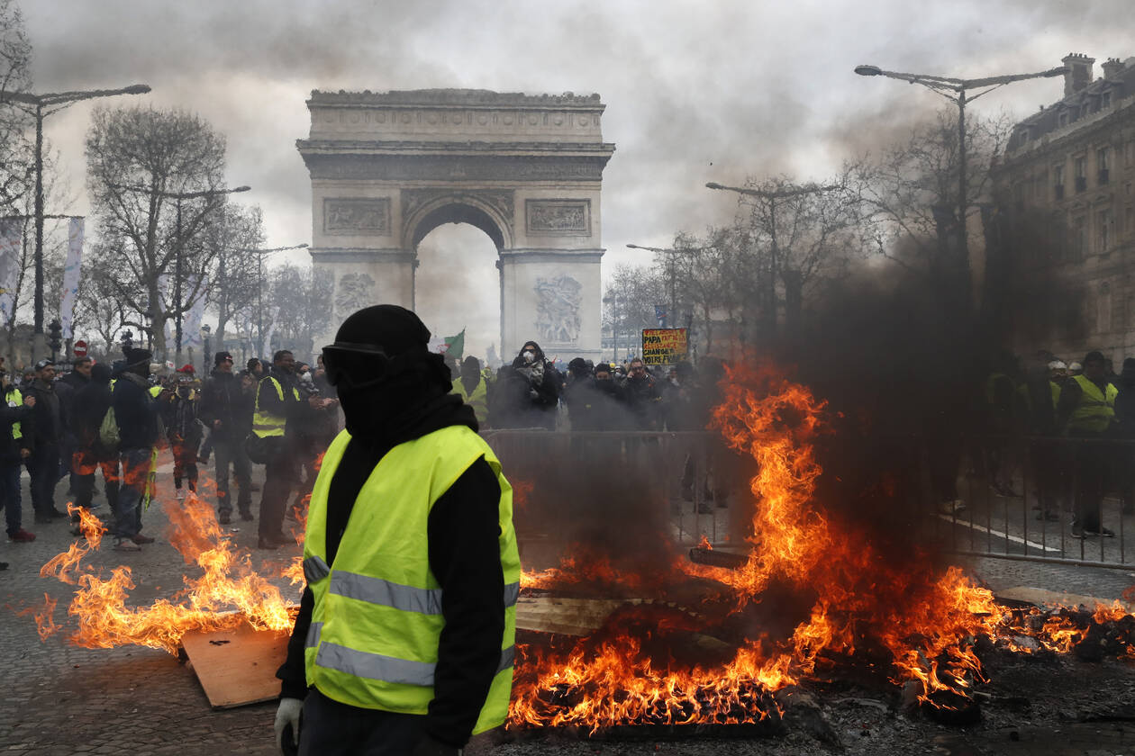 paris-riot-yelow-vests.jpg