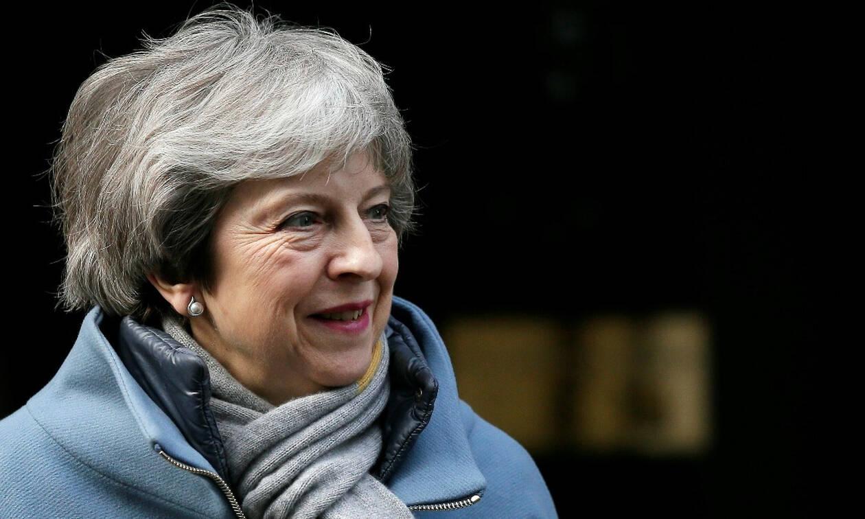 Μέι: Μακρά καθυστέρηση του Brexit θα ανάγκαζε τους Βρετανούς να συμμετάσχουν στις ευρωεκλογές