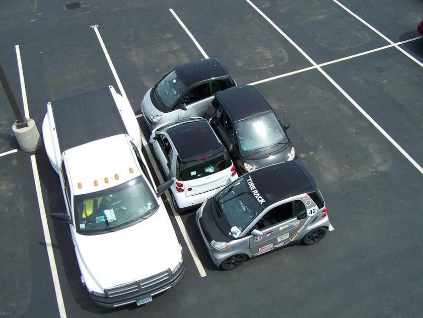 Πήραν το δίπλωμα νύχτα; Δείτε τα χειρότερα παρκαρίσματα στον κόσμο (pics)