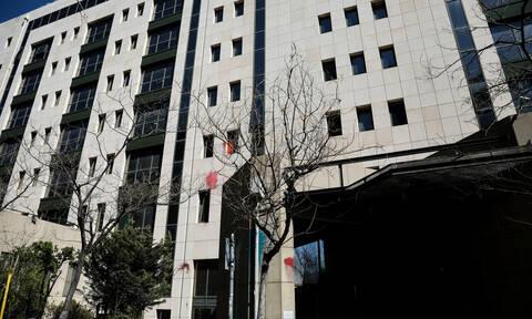 Ο Ρουβίκωνας ανέλαβε την ευθύνη για την επίθεση στο υπουργείο Περιβάλλοντος