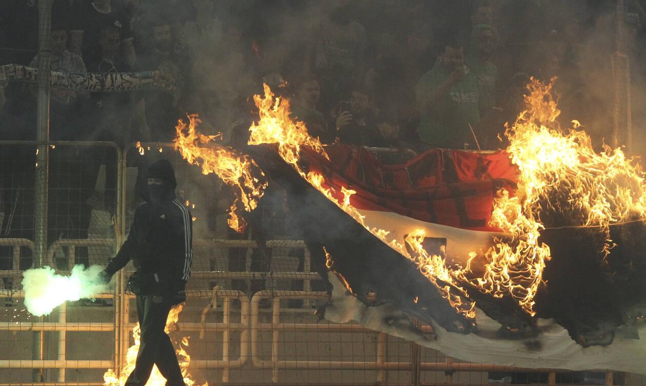 Παναθηναϊκός - Ολυμπιακός LIVE: Νέα διακοπή στο ΟΑΚΑ- Επεισόδια και δακρυγόνα στις εξέδρες