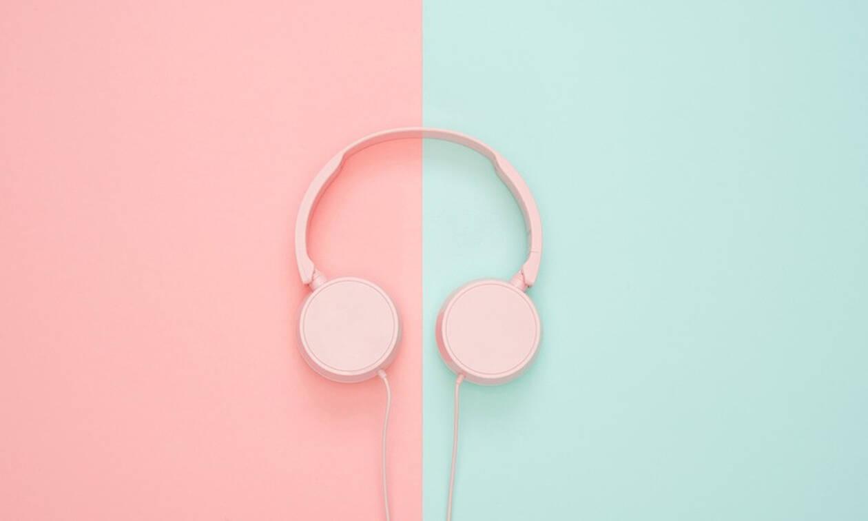 5 λόγοι που η μουσική σε κάνει πιο παραγωγική στη δουλειά