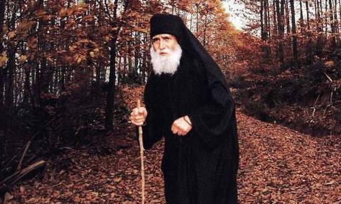 Συγκλονίζει ο Άγιος Παΐσιος: «Αυτή είναι η μεγαλύτερη παρηγοριά για τον άνθρωπο»