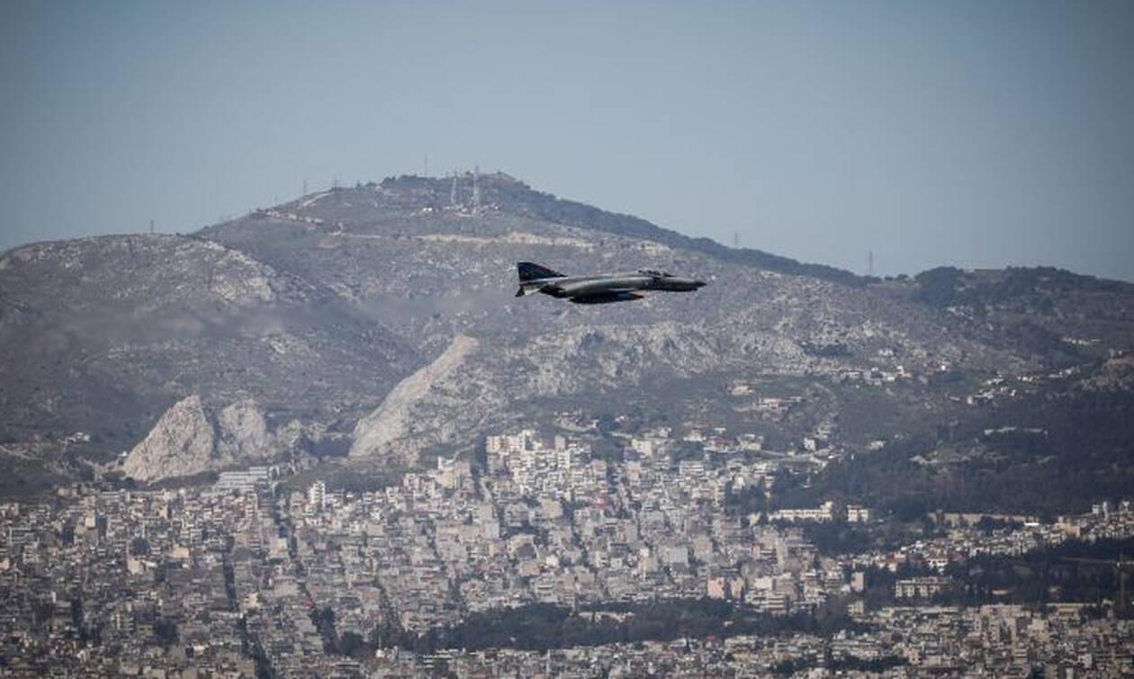 Μαχητικά πέταξαν πάνω από την Αθήνα - Δείτε γιατί (pics)