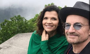 Ποιοι διάσημοι παντρεύτηκαν σε νεαρή ηλικία και παραμένουν μαζί (vid)