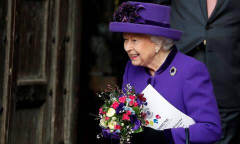 Η βασίλισσα Ελισάβετ άσκησε βέτο: Τι απαγόρευσε στη Μέγκαν Μαρκλ και στον πρίγκιπα Χάρι (pics)
