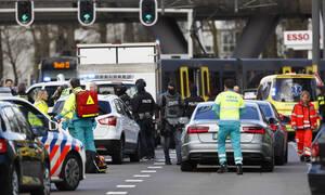 Συναγερμός στην Ολλανδία: Πυροβολισμοί σε τραμ στην Ουτρέχτη - Τουλάχιστον ένας νεκρός (pics+vid)