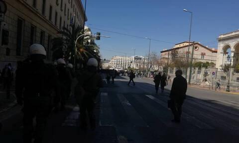 Ένταση στο μαθητικό συλλαλητήριο στο κέντρο της Αθήνας (pics-vid)