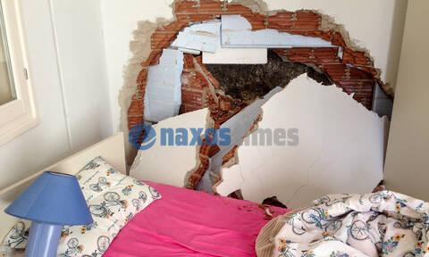 Τρόμος στη Νάξο: Βράχος αποκολλήθηκε και βρέθηκε σε κρεβατοκάμαρα (pics)