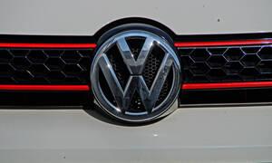 Η VW καθυστερεί την παρουσίαση του νέου Golf