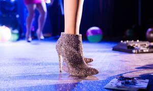 SOS! Πώς θα περπατήσεις τα ψηλά τακούνια σαν να ήταν flat