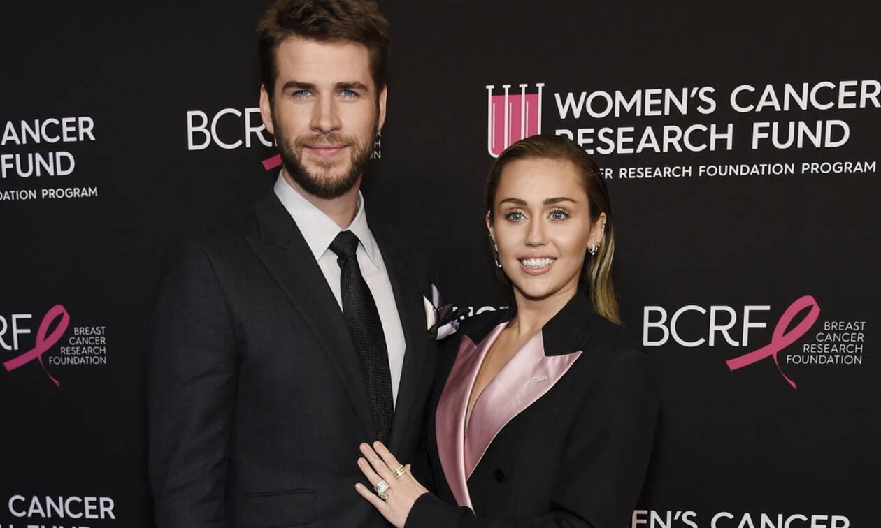 Ο αδερφός της Miley Cyrus αποκάλυψε το δέσιμο που έχει η τραγουδίστρια με τον Liam Hemsworth