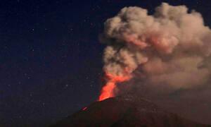 Τρομακτικές εικόνες! Έκρηξη ηφαιστείου στο Μεξικό