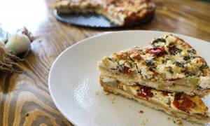 Η συνταγή της ημέρας: Τάρτα με πατάτες, φρέσκια κρεμμυδάκια & γκούντα
