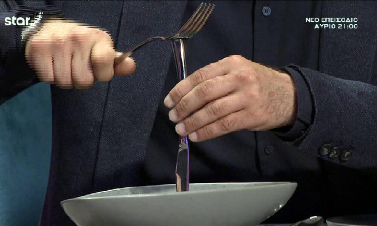 Συνέβη και αυτό στο Master Chef: Ο Κουτσόπουλος έκοψε το brownie με… καλέμι και σφυρί!
