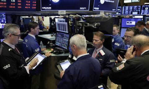 Αβεβαιότητα στη Wall Street - Οριακές απώλειες για το πετρέλαιο