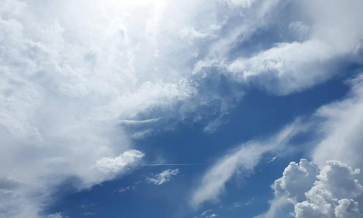 «Πάγωσαν» όταν κοίταξαν στον ουρανό - Δείτε τι αντίκρισαν (pics)