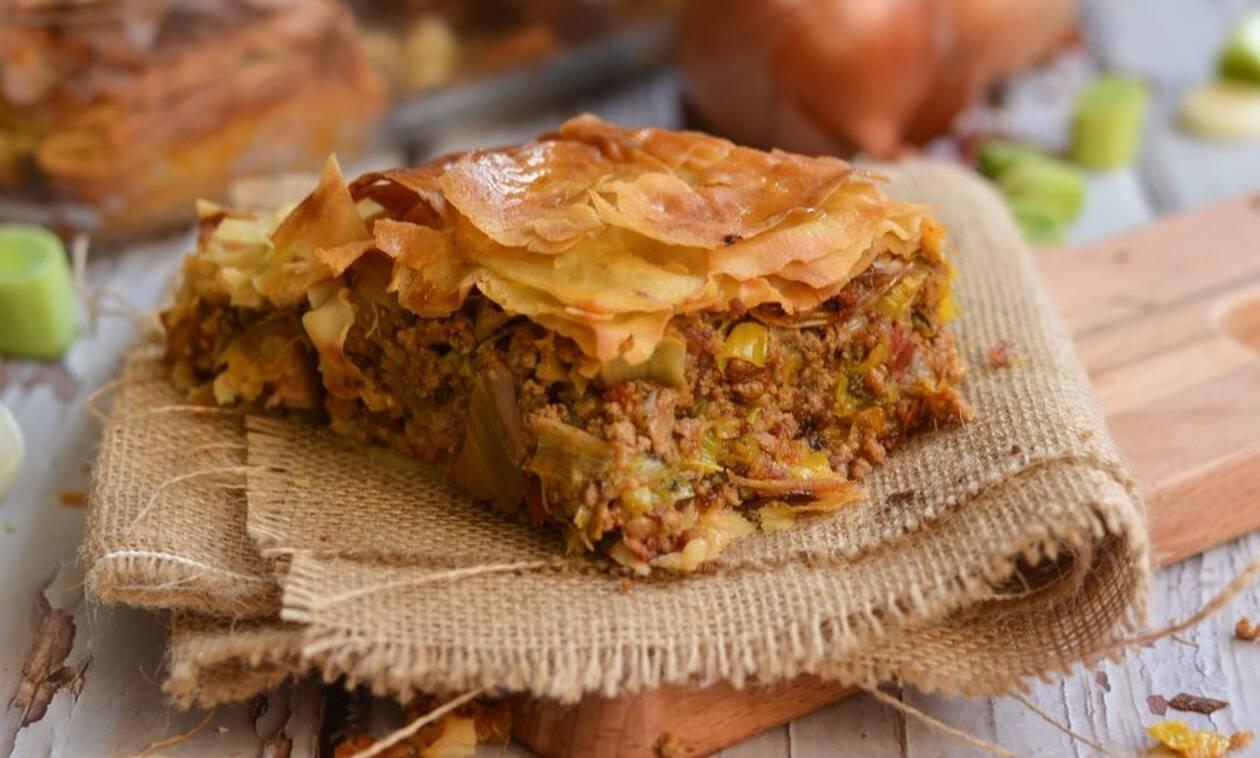 Η συνταγή της ημέρας: Πρασόπιτα με απάκι και κιμα