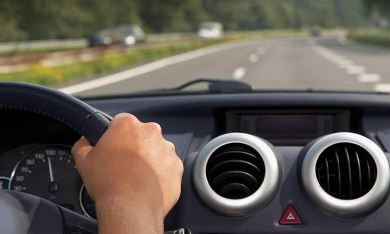 Επικό: Αυτό θα το έκανε μόνο Έλληνας οδηγός - Απίστευτη φωτογραφία