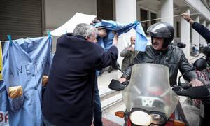 Η απίστευτη ατάκα Πολάκη στον πρόεδρο της ΠΟΕΔΗΝ – Στο υπουργείο Υγείας οι καθαρίστριες (pics)