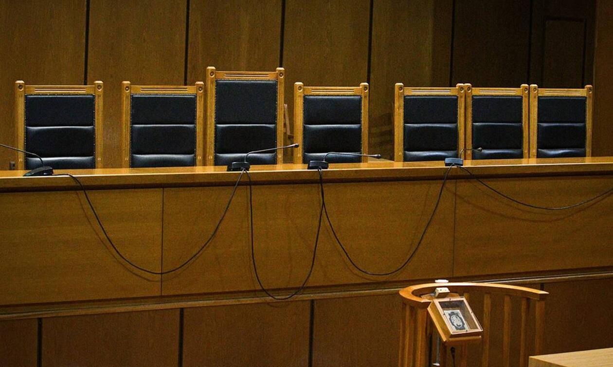 Κύκλωμα κοκαΐνης στο Κολωνάκι: Απαλλαγή του παρουσιαστή και της ηθοποιού πρότεινε η εισαγγελέας