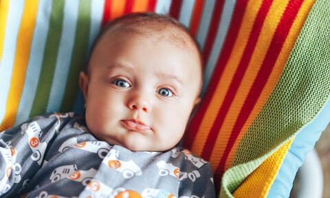 Γιατί αλλάζουν χρώμα τα μάτια των μωρών