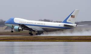 Συναγερμός στις ΗΠΑ για το Air Force One που μεταφέρει τον Ντόναλντ Τραμπ