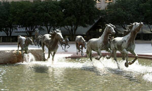 «Κόβουν» την ανάσα: Αυτά είναι τα εντυπωσιακότερα γλυπτά και αγάλματα στον πλανήτη (Pics)